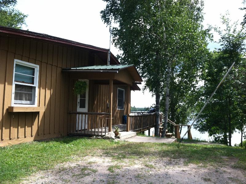 lakeshore_exterior